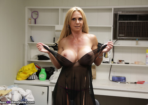 Swab My Knob, Brooke Tyler - Over 40 Handjobs - MILF HD Gallery