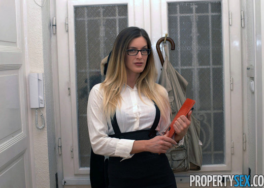 Mira Sunset - Property Sex - Hardcore Picture Gallery