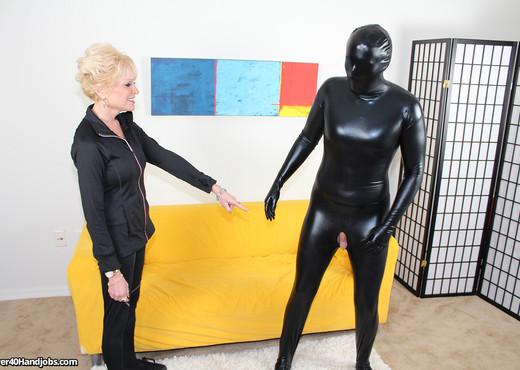 Nikki Sixxx - Masked Milking - Over 40 Handjobs - MILF Nude Gallery