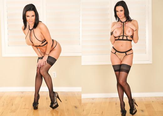 Veronica Avluv - MILFy Veronica's Berserk Butt Fuck - Anal Nude Gallery