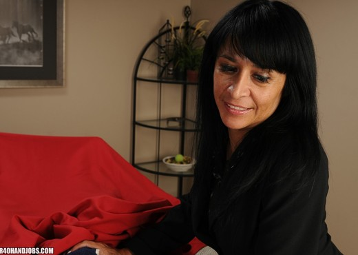 Isabella Montoya - Over 40 Handjobs - MILF Porn Gallery