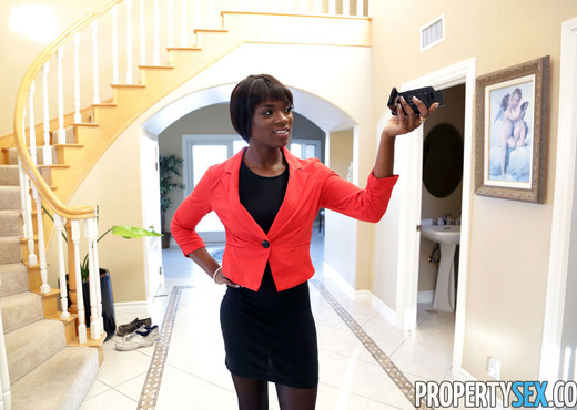Ana Foxxx - Property Sex - Ebony HD Gallery