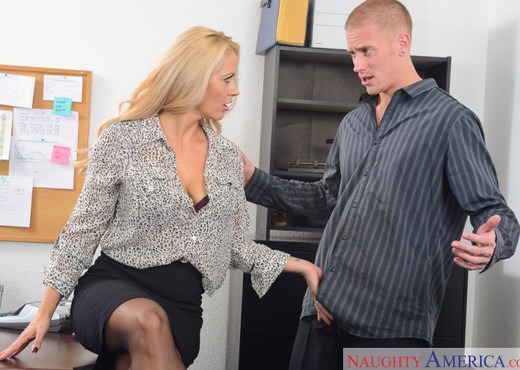 Holly Heart - Naughty Office - Hardcore HD Gallery