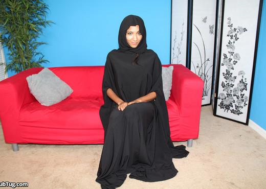 Sadie Michaels - Muslim Milker - ClubTug - Hardcore Picture Gallery