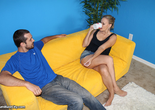 Facial Stimulation - Cum Blast City - Hardcore Sexy Gallery
