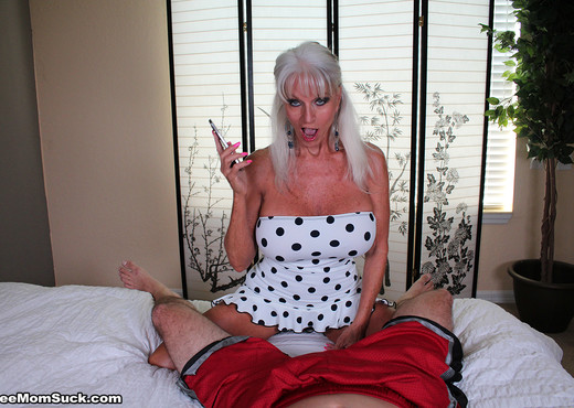 Sally Dangelo - Mommas Boy - See Moms Suck - Blowjob Sexy Gallery