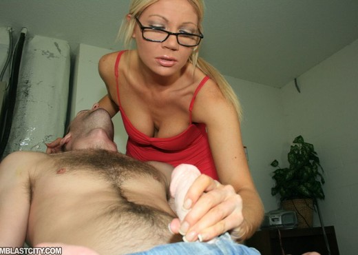 Christina Skye - Cum Blast City - Hardcore Picture Gallery