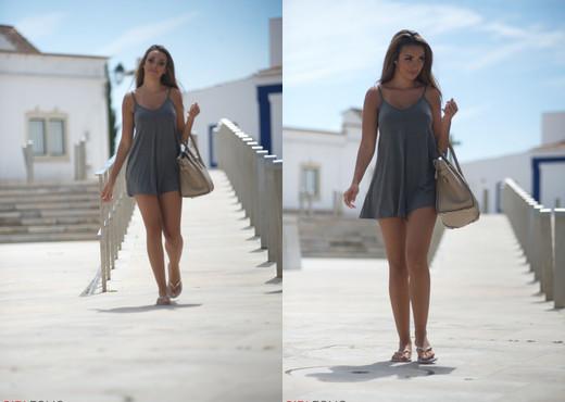 Rebecca Kelly - Beautiful Encounters - Girlfolio - Solo Hot Gallery
