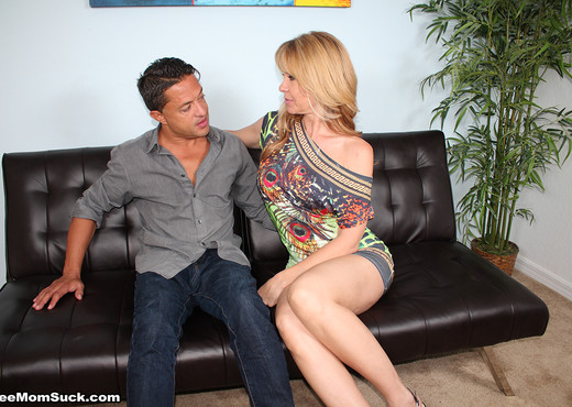 Desi Dalton - My Daughter Cant Compete - See Moms Suck - Blowjob Sexy Gallery