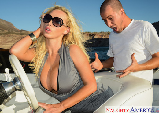 Nikki Benz - Naughty Rich Girls - Hardcore Sexy Photo Gallery