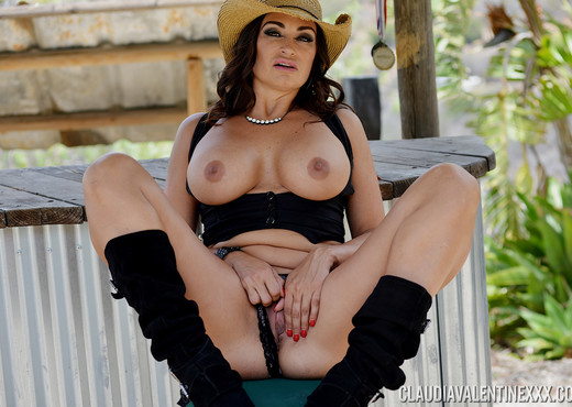 Claudia Valentine at The Valentine Saloon - Solo HD Gallery
