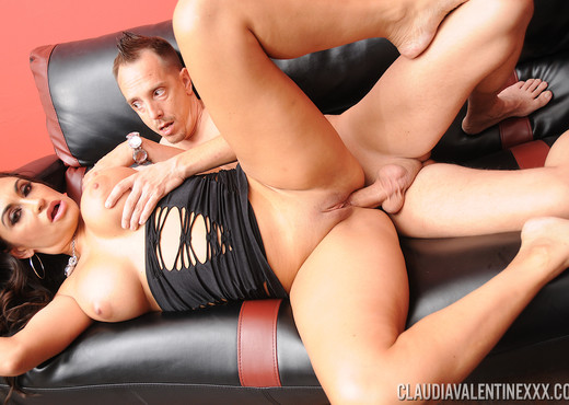 Claudia Valentine Stripper Fuck with Scotty - Anal Sexy Gallery