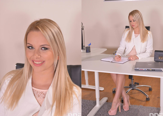 Hot & Bothered Boss: Pussy Probing Around the Office - Solo Sexy Gallery