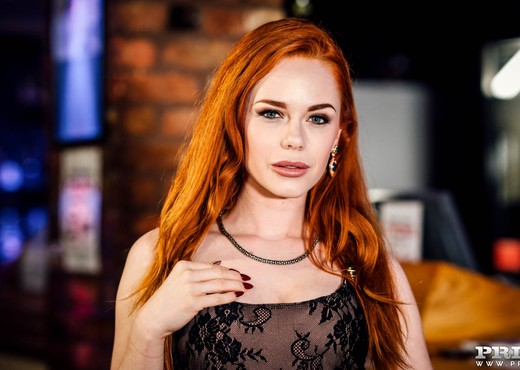 Gorgeous Redhaired Ella Hughes Shows Off - Private - Pornstars Sexy Photo Gallery