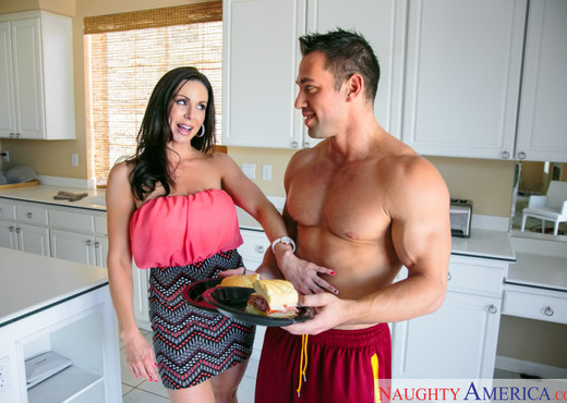 Kendra Lust - My Friend's Hot Mom - MILF Hot Gallery