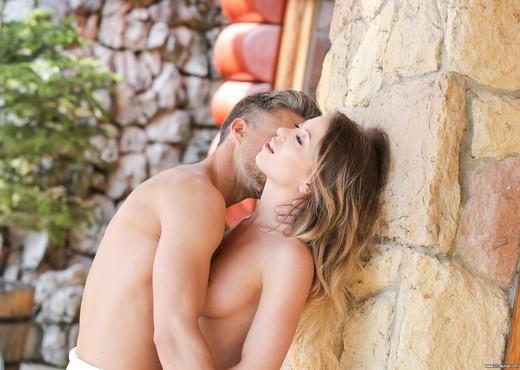 Vera Wonder - Garden Sex - Hardcore Nude Pics