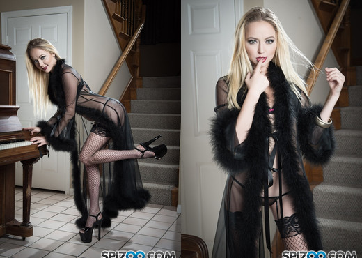 Iris Rose Teases You - Spizoo - Solo Nude Pics