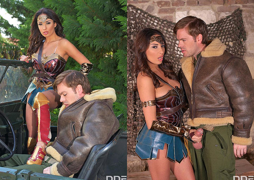 Horny Wonderwoman: Salacious Babe in Costume Fucked - Anal Sexy Photo Gallery