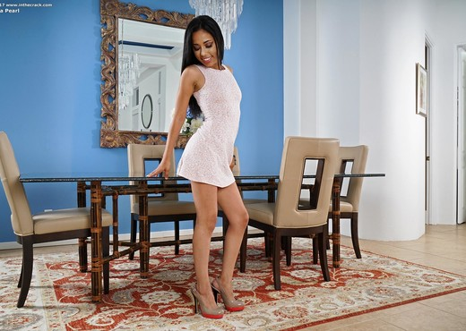 Maya Pearl - InTheCrack - Solo Picture Gallery