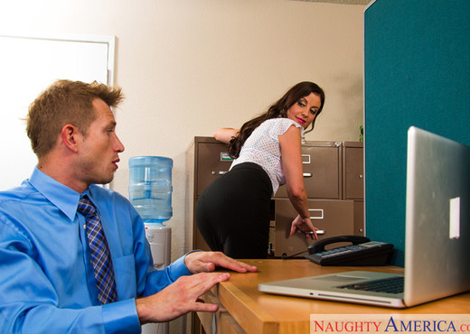 Sovereign Syre - Naughty Office - Hardcore Sexy Gallery