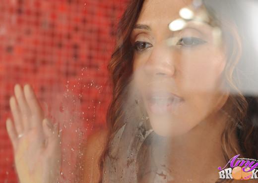 Amy Brooke Scissoring Ariella Ferrera - Lesbian HD Gallery