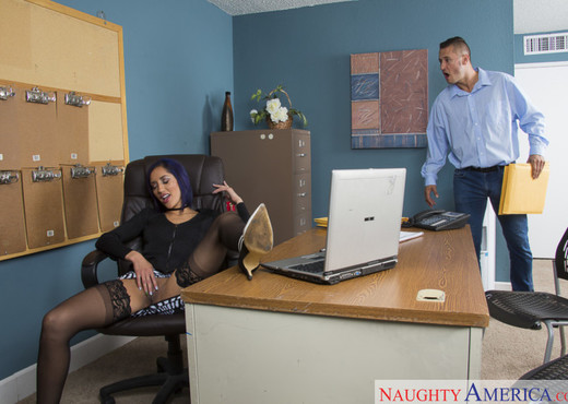 Chloe Amour - Naughty Office - Hardcore Hot Gallery