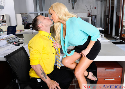Summer Brielle - Naughty Office - Hardcore Porn Gallery