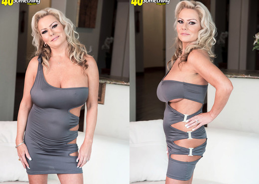 Samantha Jay's three-way - 40 Something Mag - MILF Image Gallery