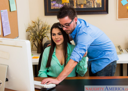 Valentina Nappi - Naughty Office - Hardcore TGP
