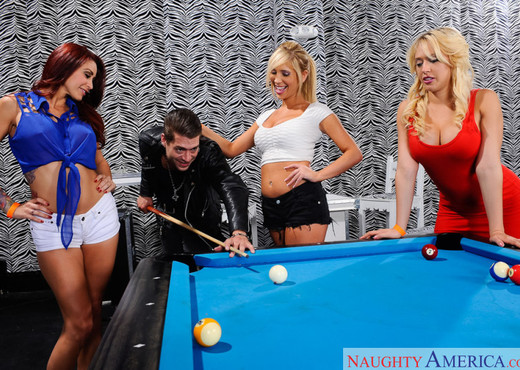 Kagney Linn Karter, Monique Alexander & Tasha Reign - Hardcore Nude Pics