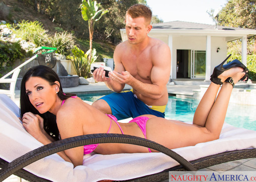 India Summer - My Friend's Hot Mom - MILF Nude Pics