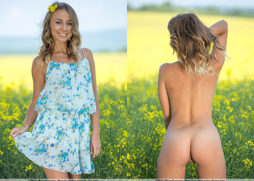 Field Of Gold - Linda A. - Femjoy - Solo Sexy Gallery