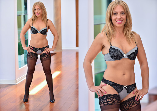 Stevie - Stockings And Heels - FTV Milfs - MILF Picture Gallery