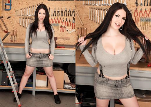 Karina Hart - Tool Time Girl - ScoreLand - Boobs Image Gallery