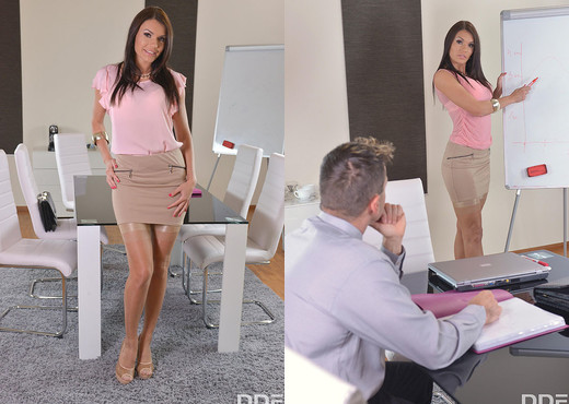 Sporty woman Kitana Lure enjoys anal pounding and gets mouth properly fucked № 1015902  скачать