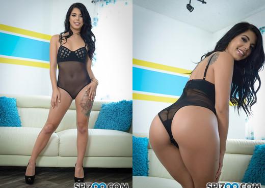 Gina Valentina Miami Vibes - Spizoo - Solo Picture Gallery