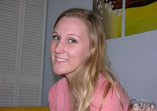 Amateur Blonde Teen Girlfriend Gemma - Amateur Nude Pics