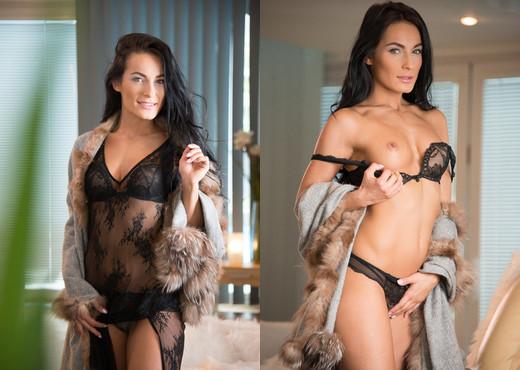 Carrol & Jason - Carrols Hot Ass - Colette - Anal Sexy Photo Gallery