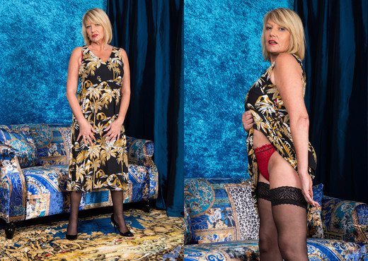 Amy Goodhead - Naughty Mature - Anilos - MILF Sexy Photo Gallery