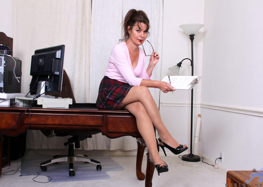 Shelby Ray - Naughty Business Lady - Anilos - MILF Hot Gallery