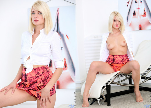 Bree Haze - Blonde Angel - Nubiles - Teen Sexy Photo Gallery