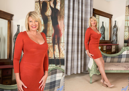 Amy Goodhead - First Time - Anilos - MILF TGP