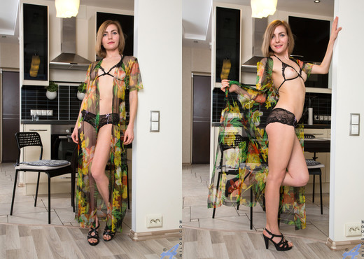 Judith Angel - Bouncy Boobs - Anilos - MILF Hot Gallery