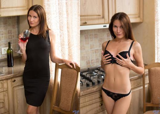 Quin - Skinny Babe - Nubiles - Teen Nude Pics
