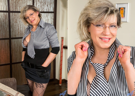 Angel Baby - After Hours - Anilos - MILF Sexy Photo Gallery