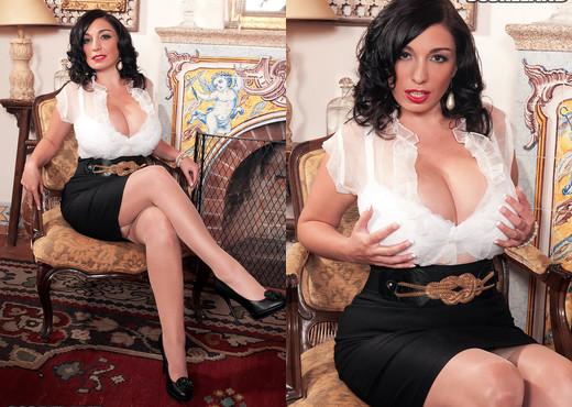 Michelle Bond - The Name Is Bond - ScoreLand - Boobs Nude Pics