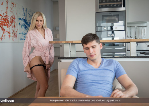 Cum Over - Kristof & Lara - Joymii - Hardcore HD Gallery