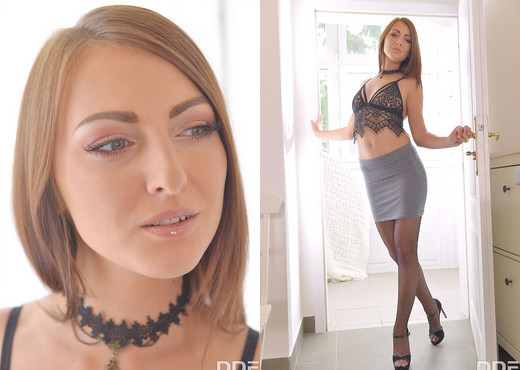 Katy Rose - College Babe's Got A Leg Fetish - Solo Hot Gallery