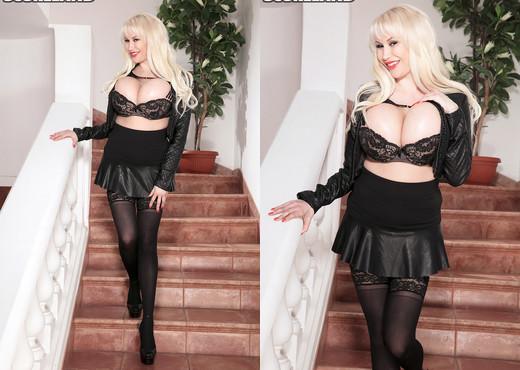 Sandra Star - Star Woman - ScoreLand - Boobs Picture Gallery
