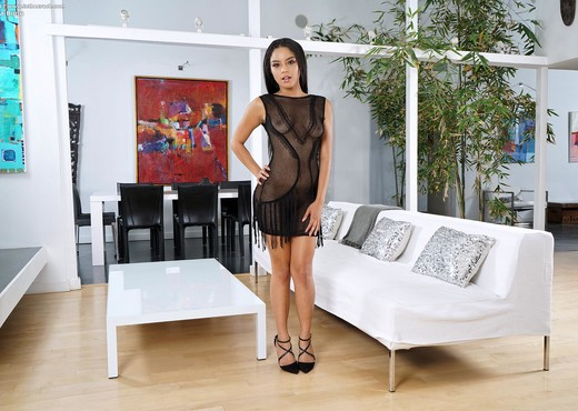 Maya Bijou - InTheCrack - Solo Nude Pics